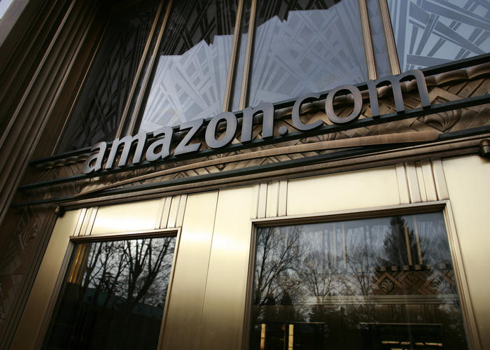 You are currently viewing Amazon Helps Homeless People in Seattle